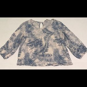 FOREVER 21 Rayon Blue/White Floral Pattern Blouse